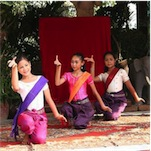 Traditional dance workshop in Cambodia | Aliore